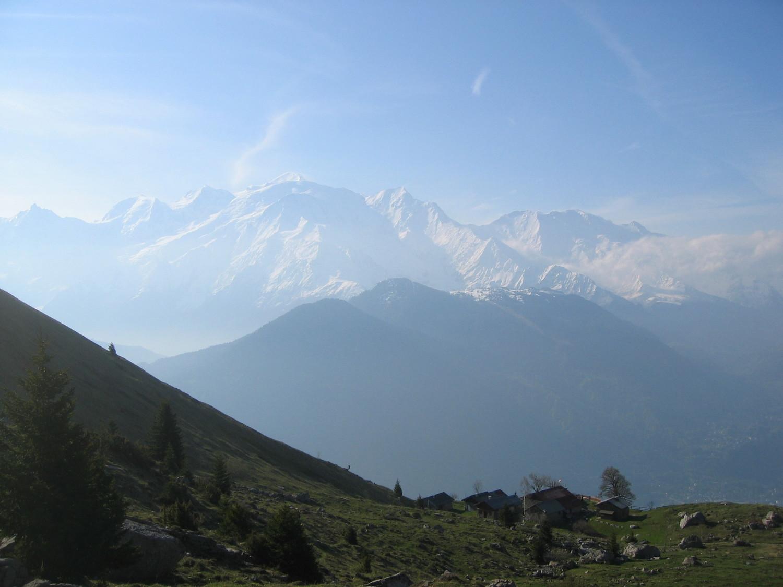 chalets Varan -toile de fond Mt.Blanc
