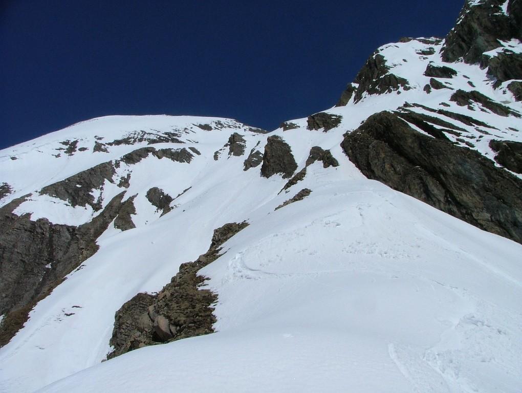 """le Berrio Blanc : face SW, je suis sur """"l'éperon enneigé"""", déjà 500 m descendus"""
