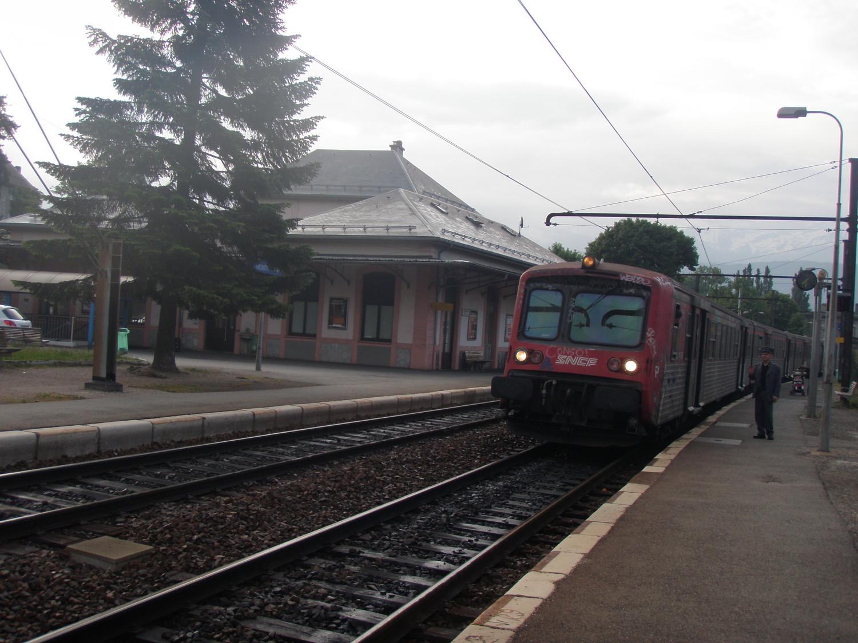 Aujourd'hui départ de la gare de Montmélian pour une montée à la Dent D'Arclusaz en vélo-rando