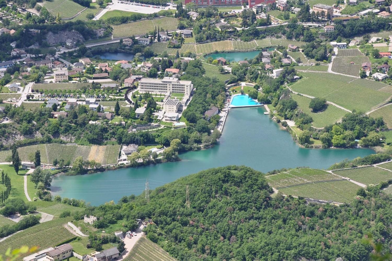 Lac de Géronde vu des hauts de Niouc