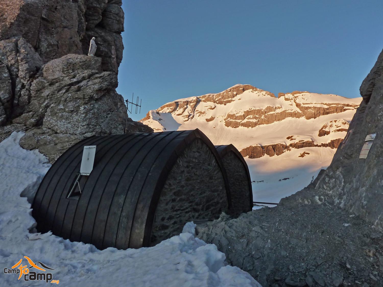Brèche et Refuge de Tuquerouye - Versant Nord massif du Mont Perdu