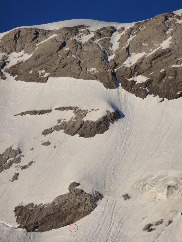Un alpiniste dans la partie supérieure de la face nord du Mont-Perdu