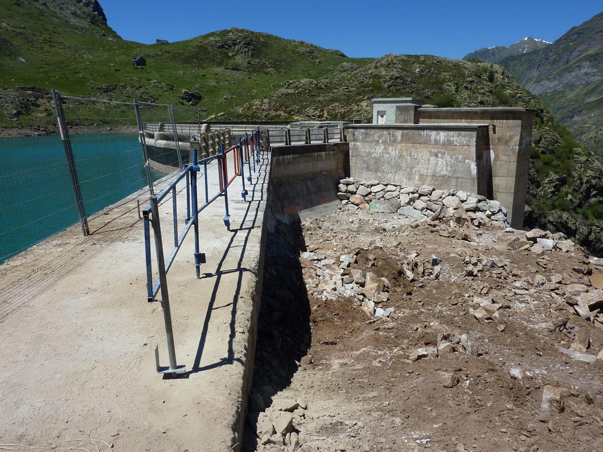 Barrage des Gloriettes - travaux de construction du nouveau déversoir