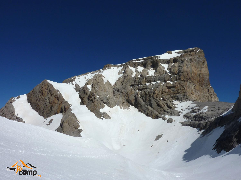 Col et Cylindre du Marboré depuis la voie normale du Mont Perdu