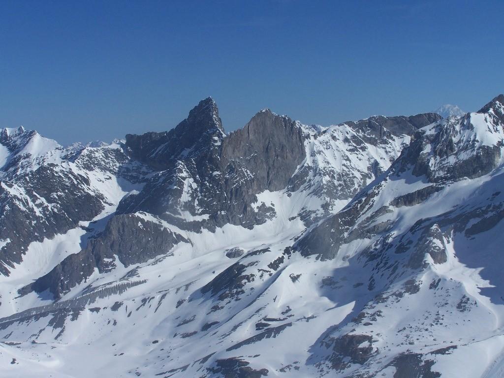 Les pointes de la Glière vues du sommet de la Réchasse.
