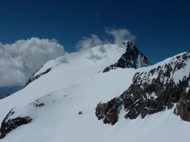 Le Pic de l'Étendard depuis le sommet de la Cochette