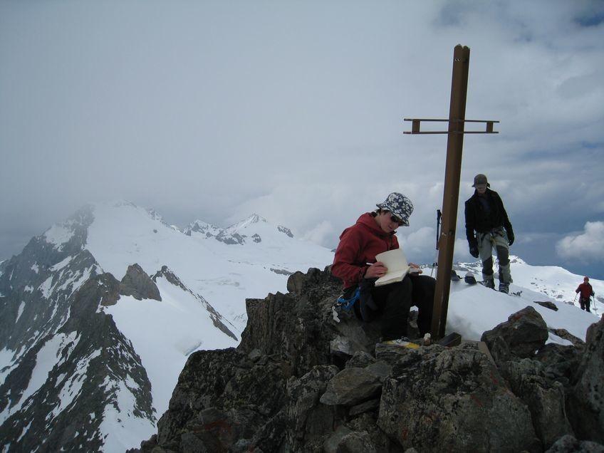 Au sommet de l'Ewigschneehorn (3329 m)