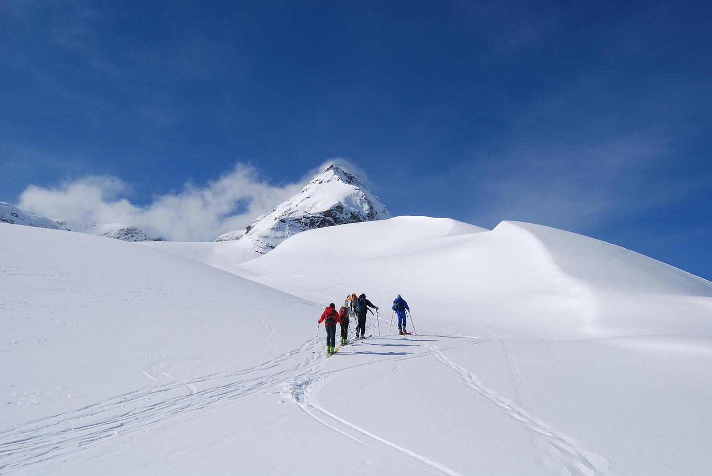 Salita oltre il Cornetto 2800 m ca con lo Scalino 3323 m.