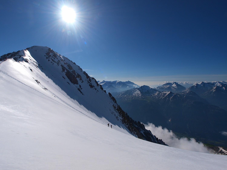 le sommet en plein soleil