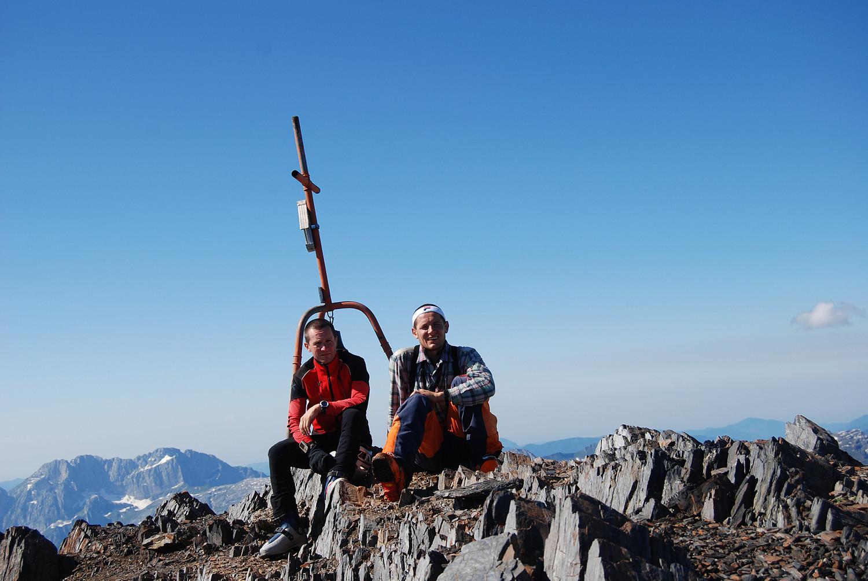 Autoscatto in cima  al Pizzo del Diavolo di Malgina 2926 m, a sinistra il Pizzo della Presolana 2521 m.