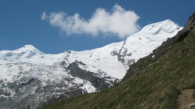 Allalinhorn et Alphubel en montant à la Mischabelhütte