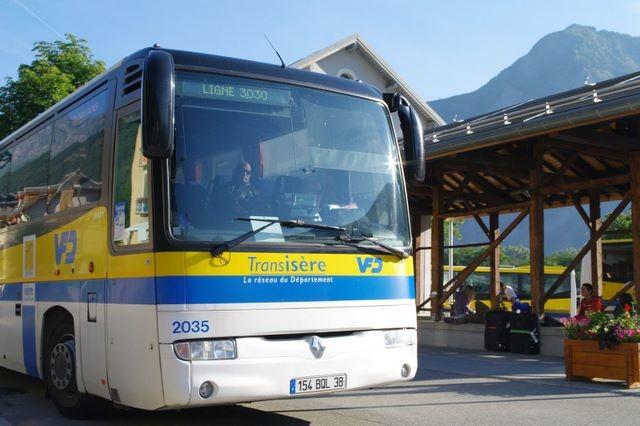 Un week-end l'été à la Bérarde, cela commence toujours par une montée en bus