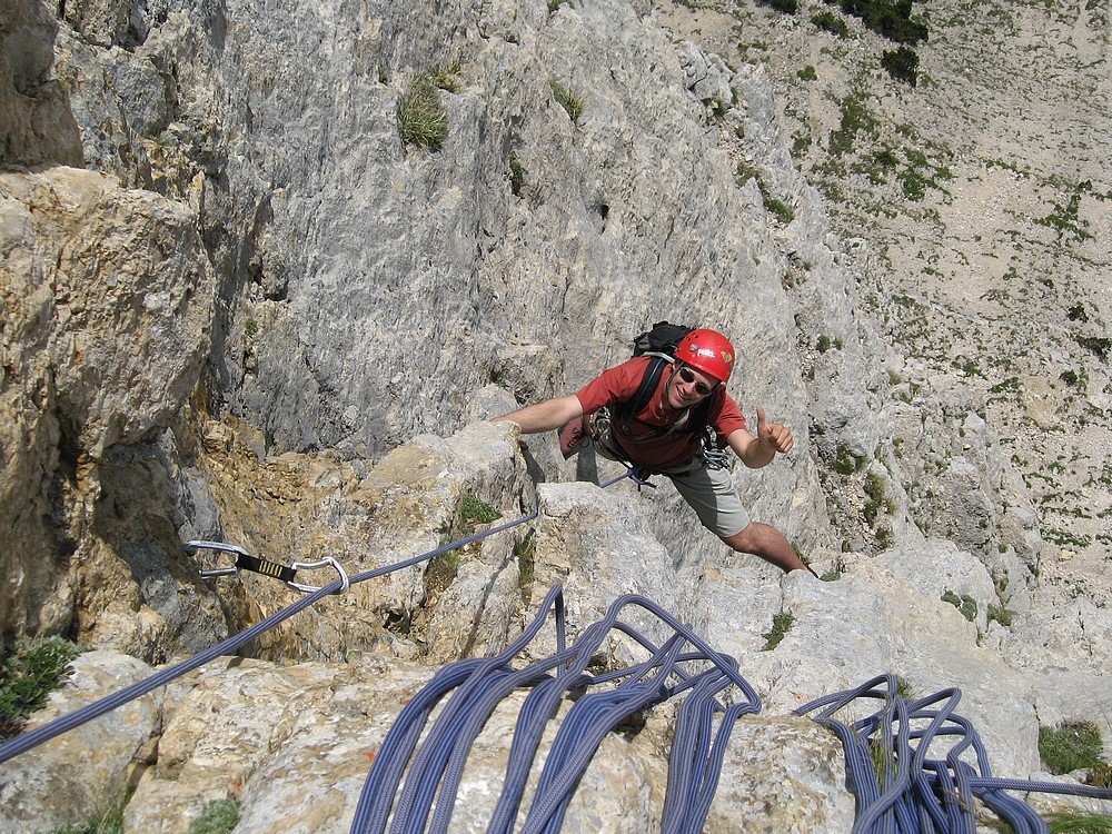 Chamechaude - Pilier Tobey : Sylvain à la fin de L3, une section à très beau rocher