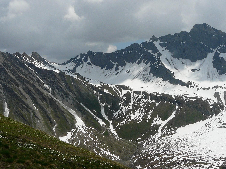 Mont Tsichette, col de Malatra, aig. de Malatra, aig. de Bonalex (de gauche à droite)