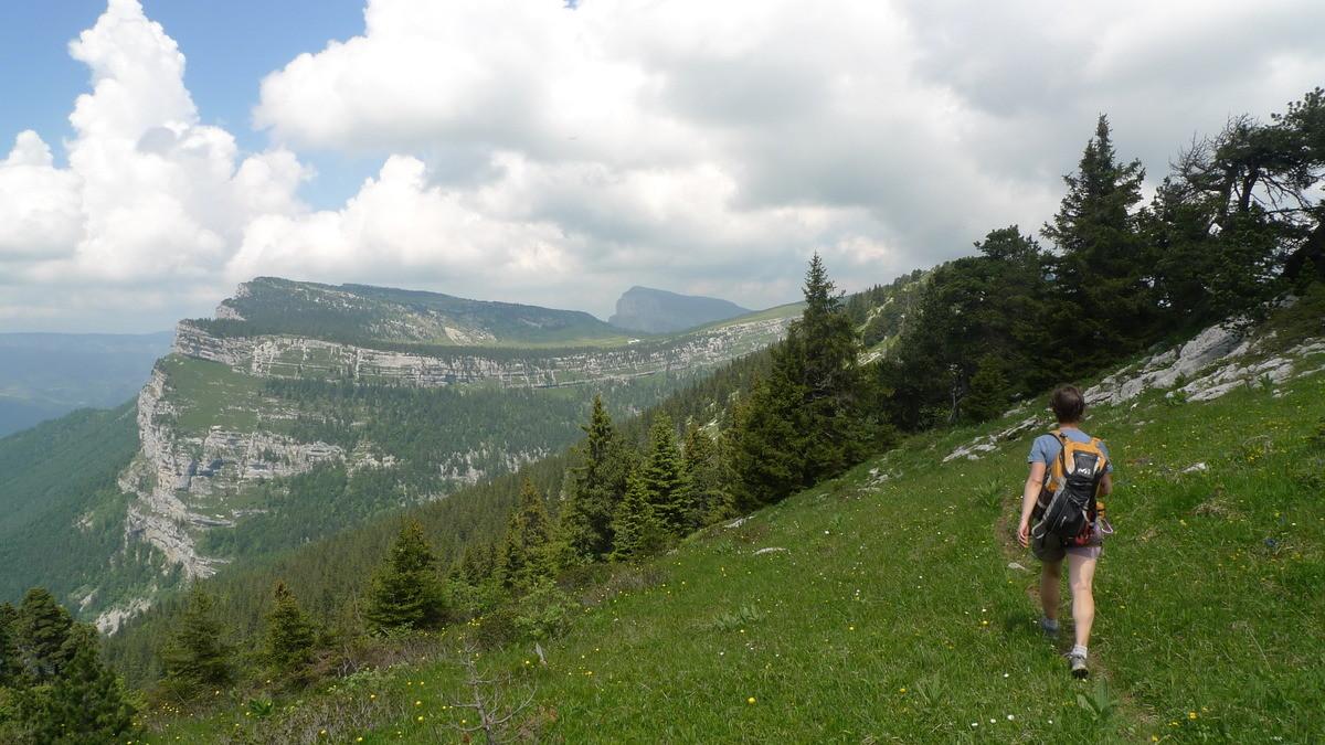 Retour sur les hauts plateaux, avec l'Alpe (et le Granier) au fond