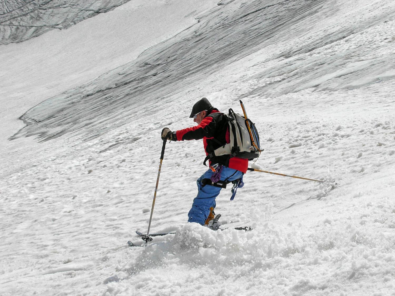 In discesa tra neve e ghiaccio