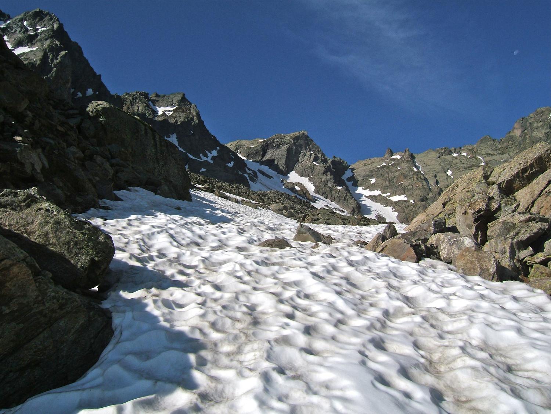 Plus beaucoup de neige pour accéder au gias de 2500m au dessus du ref.de Lause.