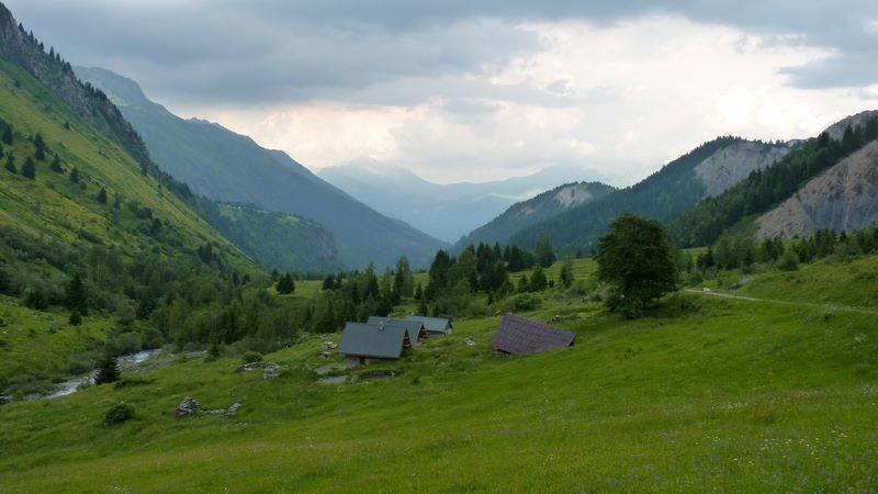 Hameau du Sappey d'en haut dans la montée du col du Glandon