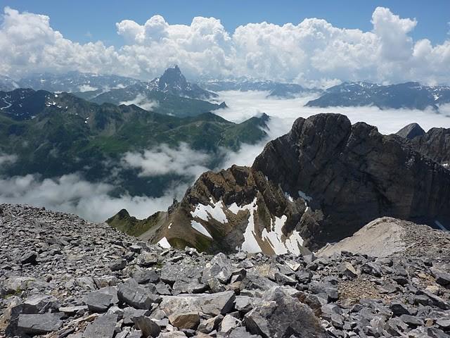 au sommet: vue du côté Ossau