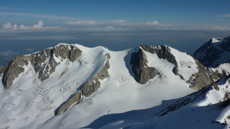 Vue sur les Dômes de Miage depuis le Sommet de l'arête Nord de Tré la Tête