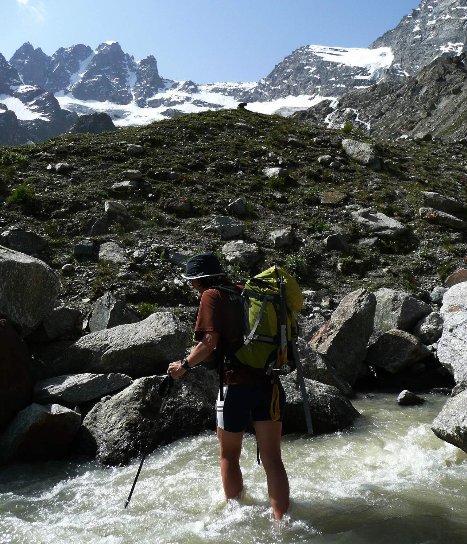 Torrent issu du glacier de la Tribolazione...pas de pont...