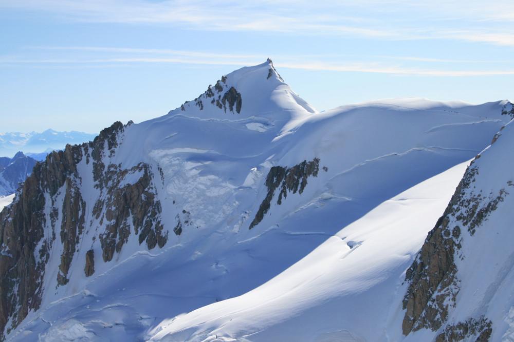 Le Mont Maudit et la trace en desous