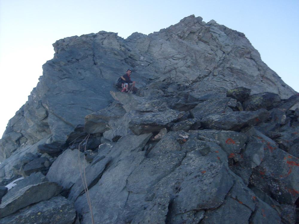 Là le rocher est bon, peu après le début de l'arête