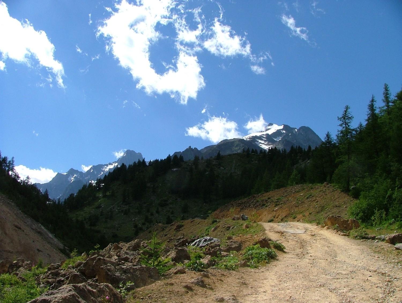 Tré la Tête, les objectifs ... du jour, à la limite de la neige (bivouac du Pt Mt  Blanc), et du lendemain