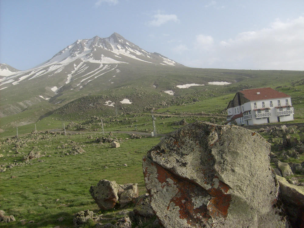 L'hôtel Karbeyaz (neige blanche)