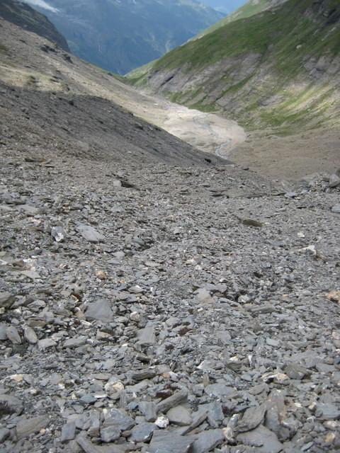 Au dessus du plateau caillouteux, c'est encore caillouteux!