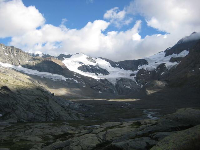 Vue depuis le refuge, Petite Ciam. au centre, Grande Ciam. à gauche, Albaron (en partie) à droite
