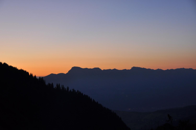 coucher de soleil derrière la Chartreuse