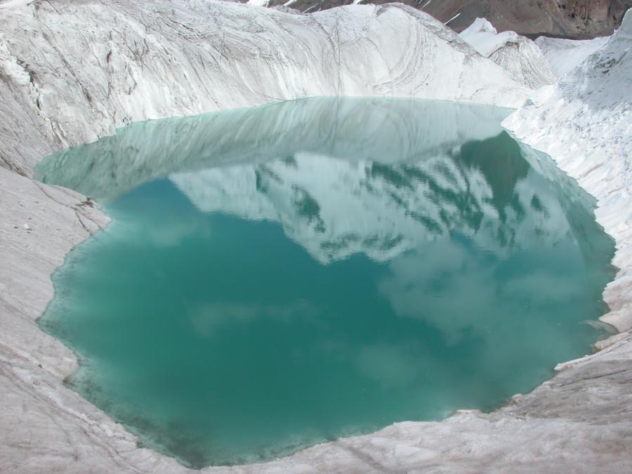 Turquoise sur le glacier Sviodochka