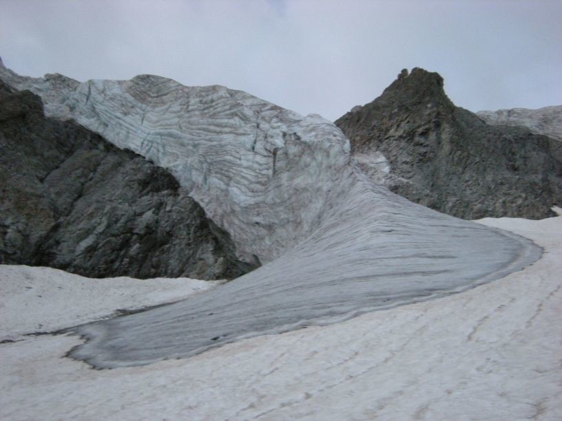 Gioberney - Au pied du mur de glace