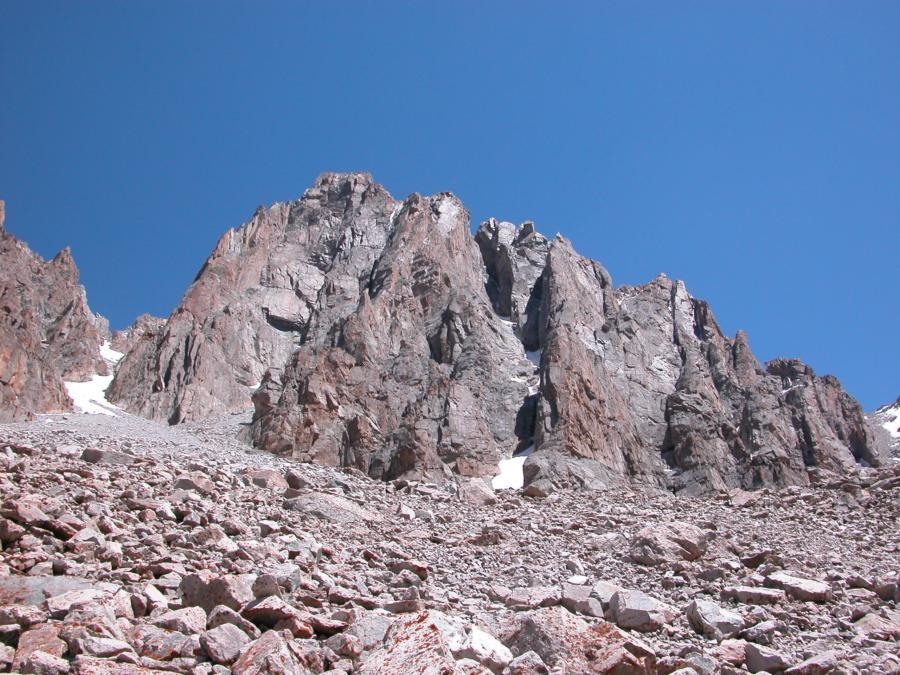 Les piliers du Baichechekei, itinéraire d'escalade D à ED