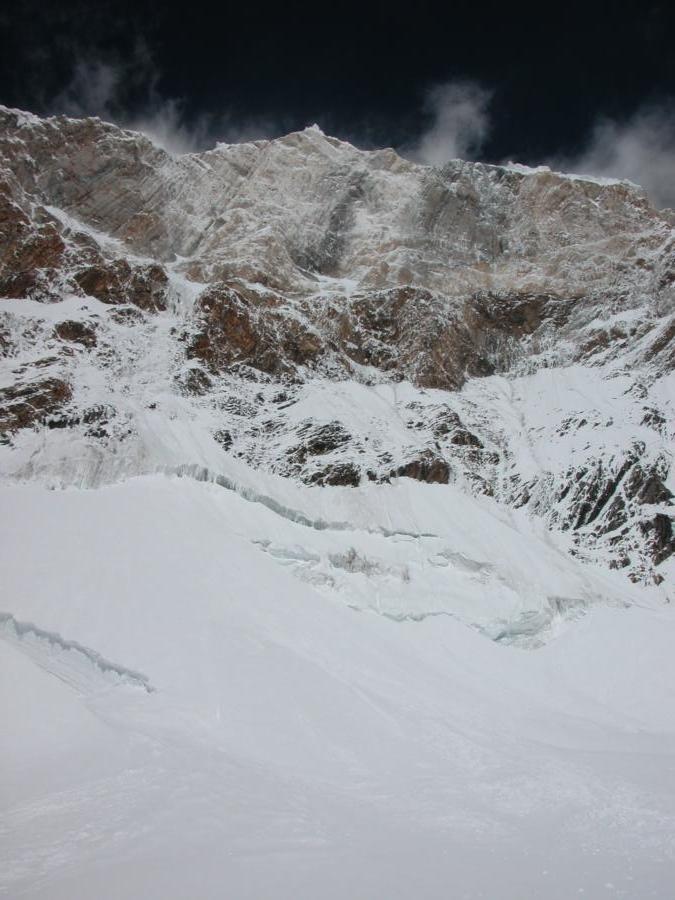 Paroi de marbre sous le Pic Chapaev