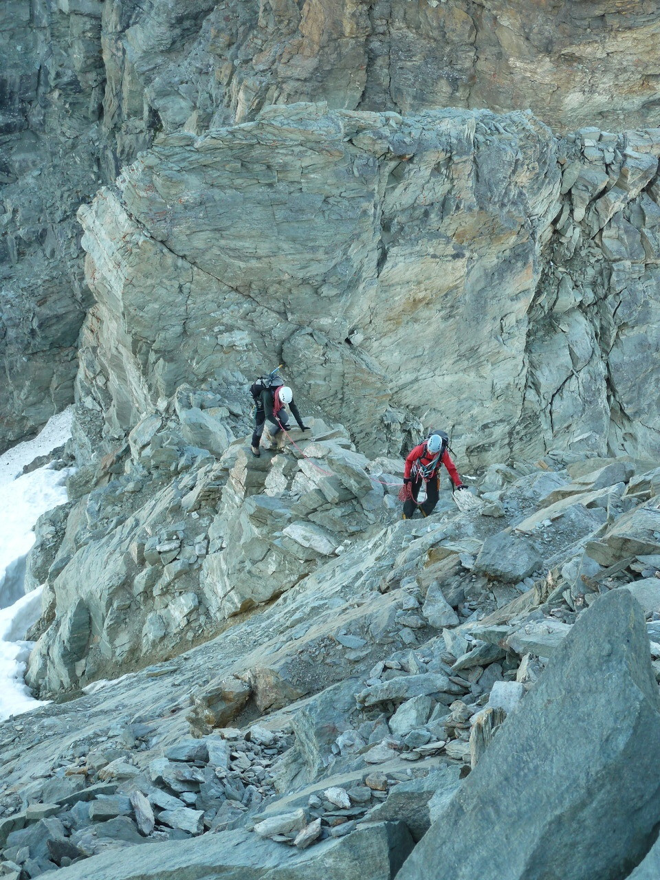 Montée au Tschingelhorn par les rochers