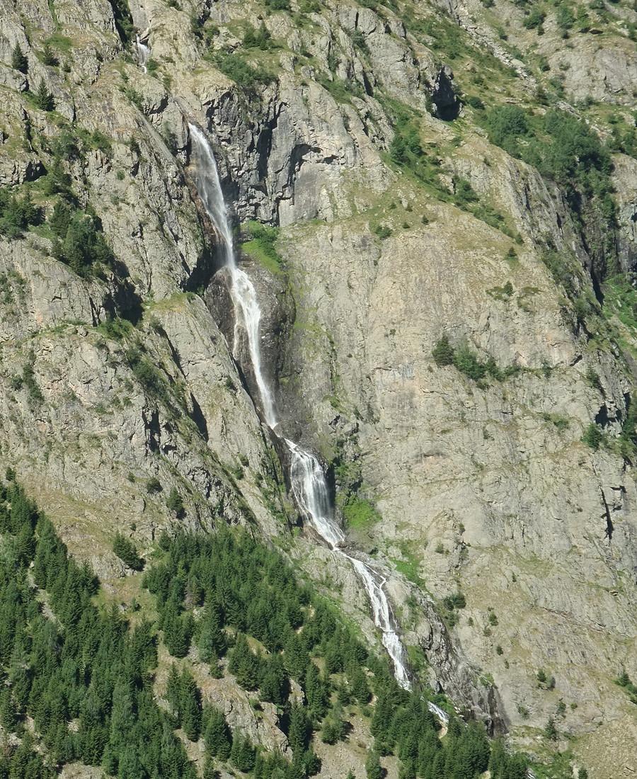 Cascade de l'Alpe du Pin, coté droit