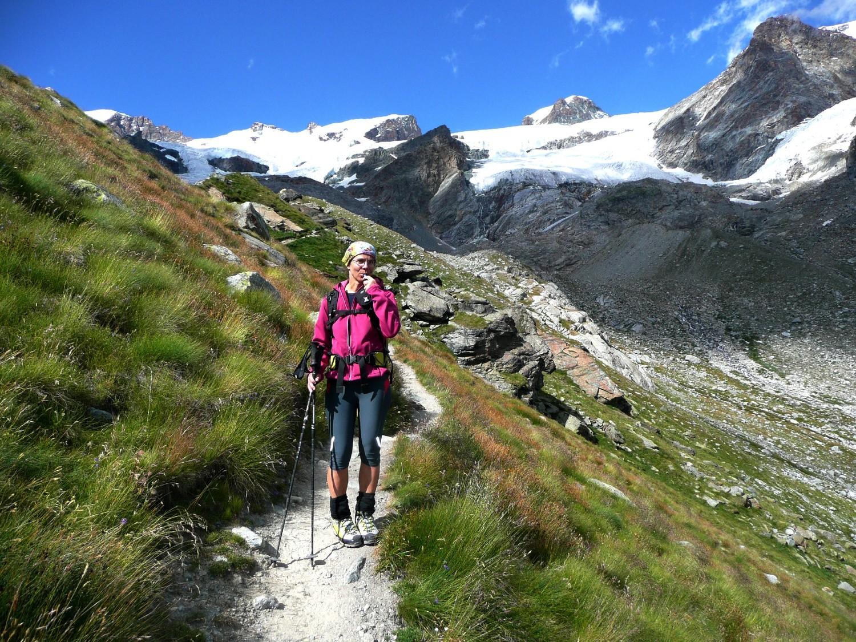 Retour dans le Val d'Ayas après le Breithorn, plus que 1000m à descendre...