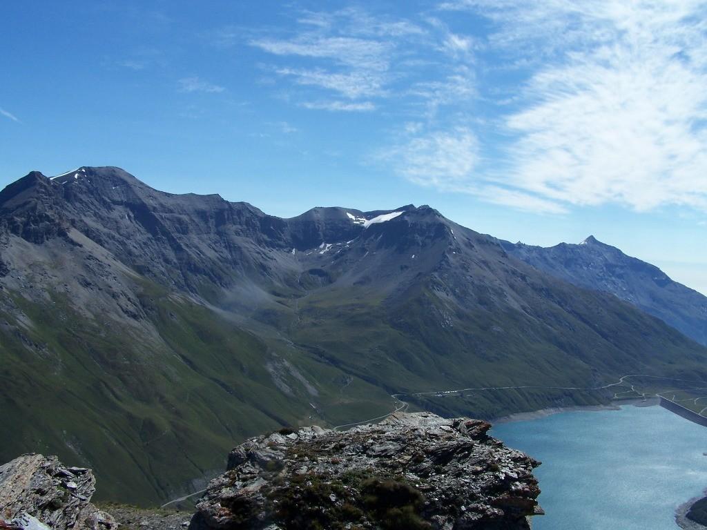 Ronce, Lamet, Rochemelon et le lac du Mont Cenis vus du sommet de la cime du Laro.