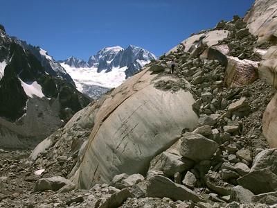 Dôme rocheux de sortie du glacier