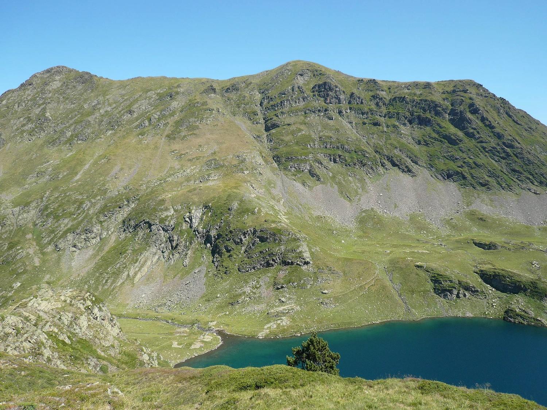 Pic Sanctus (au centre), lac d'Uzious