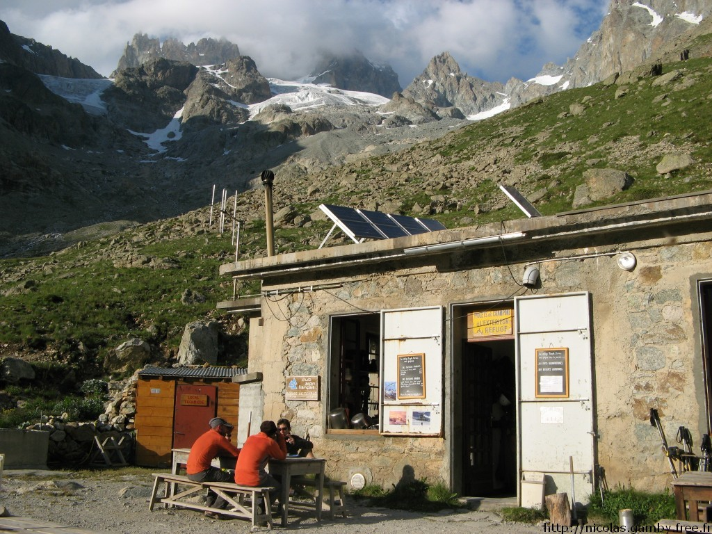 Refuge Temple-Ecrins