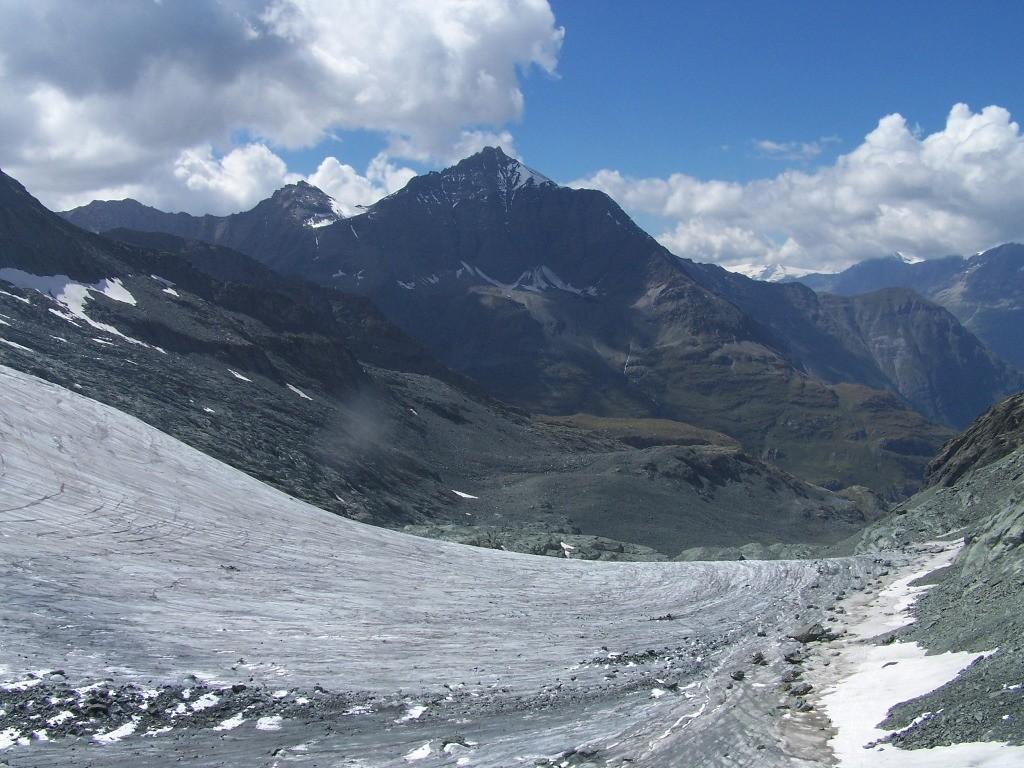 Col d' Arnès, vu surle Charbonnele t le glacier d'Arnès (tour de la bessanèse)