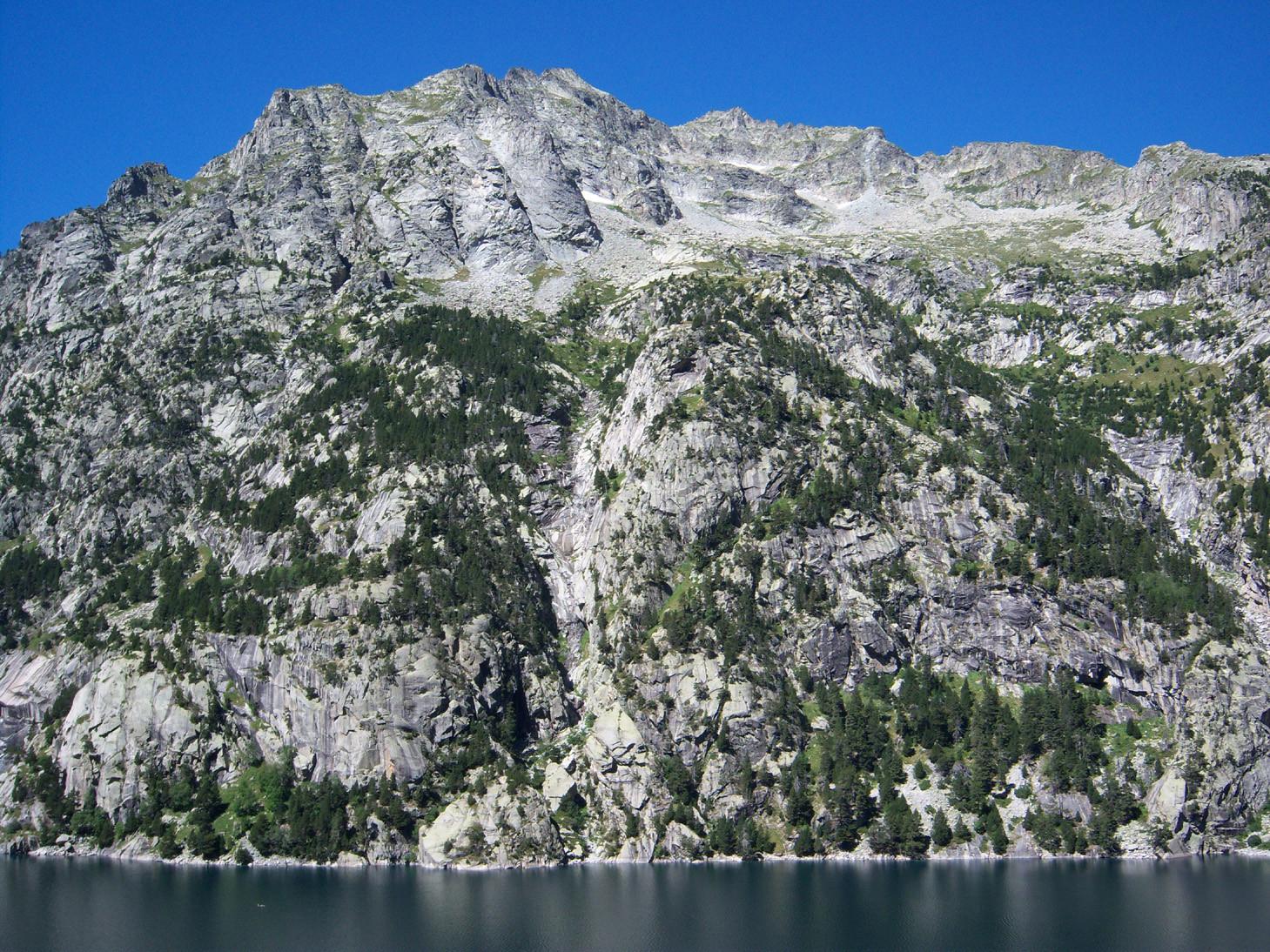 Vue sur le lac de cavallers