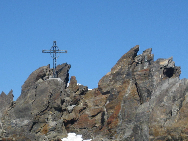 A l'approche de la croix sommitale du Durrihorn