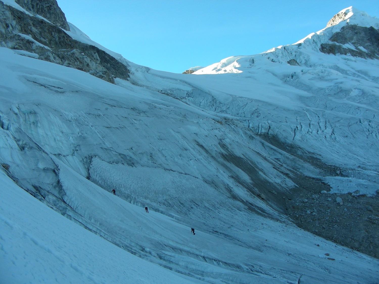 El inicio del glaciar que permite alcanzar el filo N del Ishinca