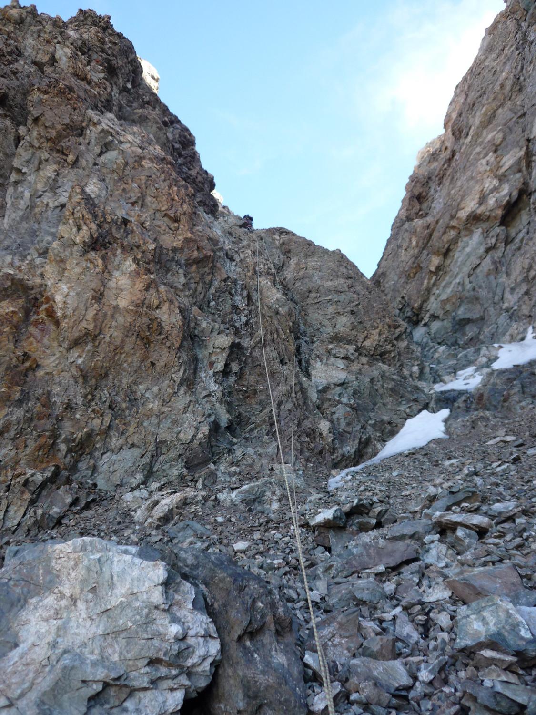 """Le """"mur en bon rocher rougeâtre"""" à emprunter si la goulotte à droite n'est pas en condition (dommage...)"""
