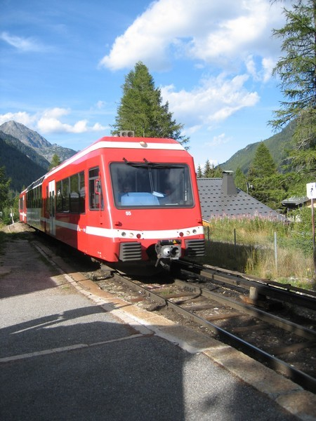 Le vlà, le train rouge