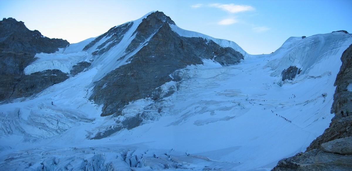 Face NW du Grand Paradis et haut du glacier de Laveciau